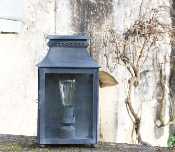 Angers Wall Lantern